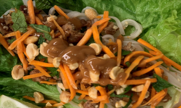 Lettuce Wraps with Peanut Hoisin Sauce